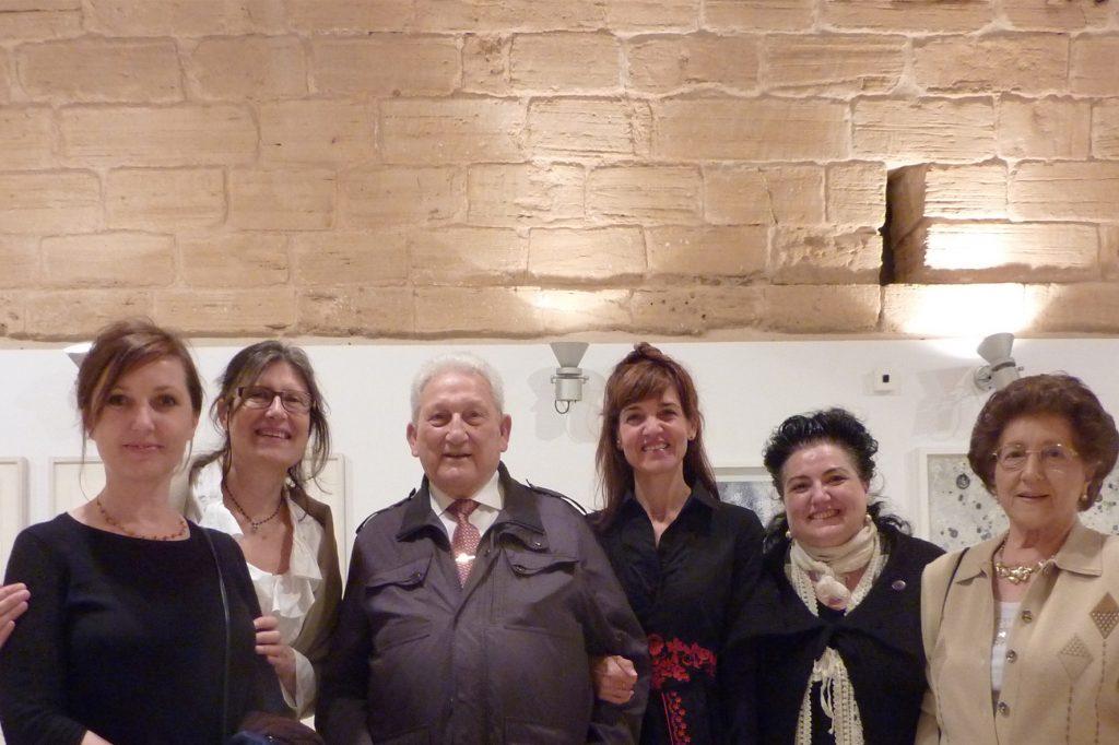 Izabella Jagiello del Instituto de Cultura Polaca en España, Joana Maria Riera, el pintor Carloandrés, Mònica Fuster, la artista y periodista Josefina Torres y Conchita Seguí