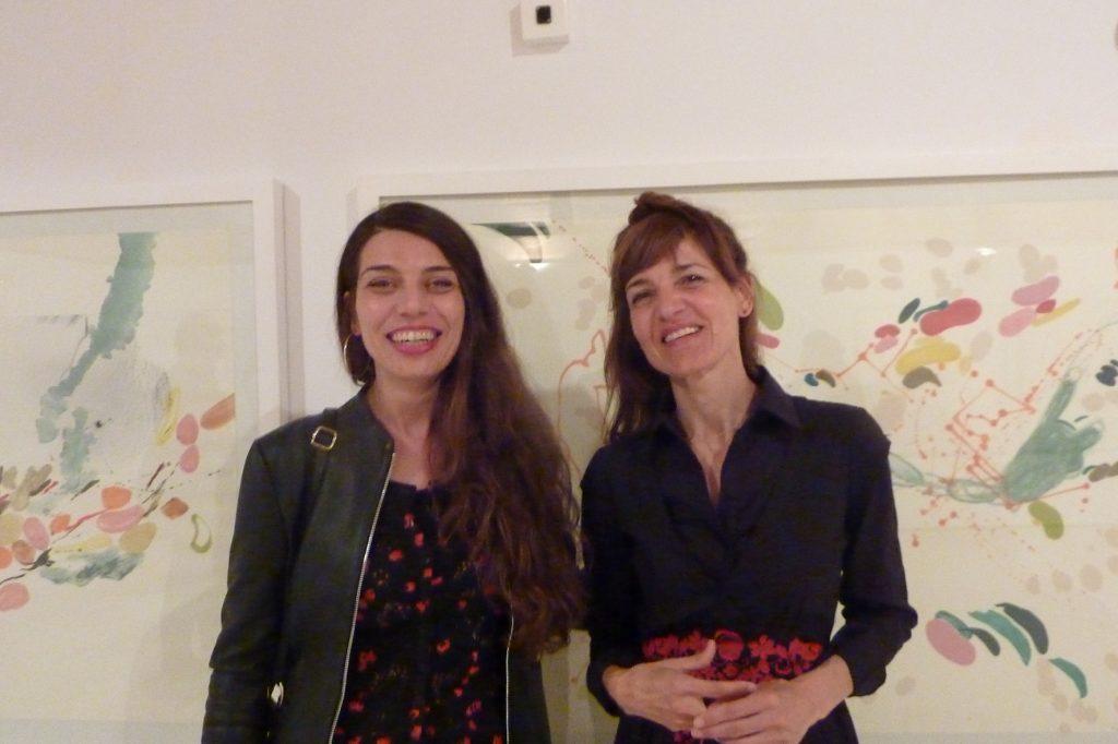 La gestora cultural eivisssenca Sandra Galvez amb Mònica Fuster